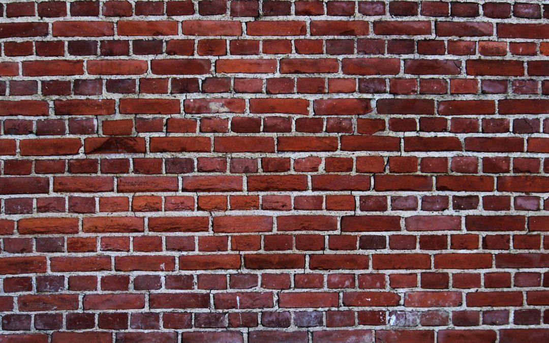 DIY apprendre à construire un mur en brique