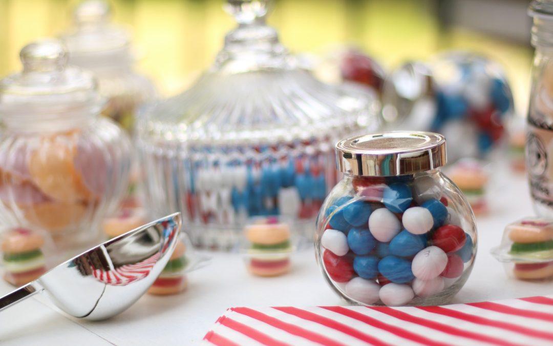Des bocaux, des boîtes alimentaires et des bonbonnières design pour une cuisine organisée et stylée