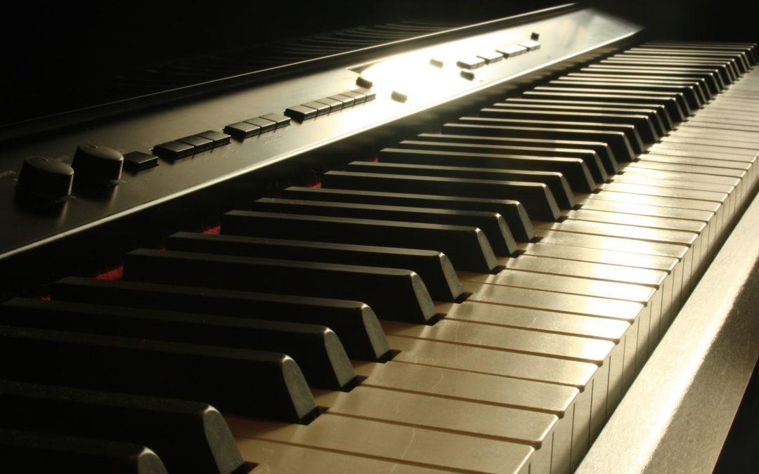 Les pianos droits silencieux Yamaha